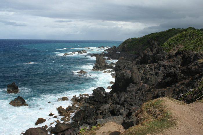 Black Rock aan de kust van Saint Kitts