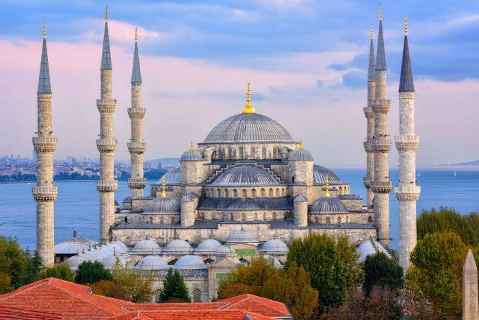 Blauwe Moskee en de Bosporus rivier