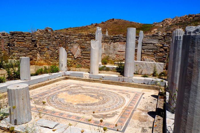 Delos, archeologische en mythische vindplaats in Cycladen, Griekenland