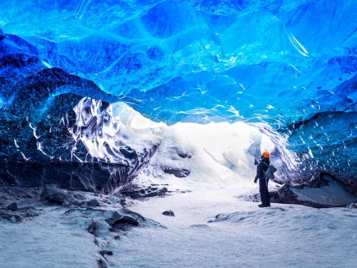 Gletsjerwandeling IJsland - Grot met blauw ijs