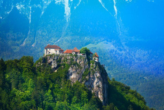 Kasteel van Bled op de hoge kliffen