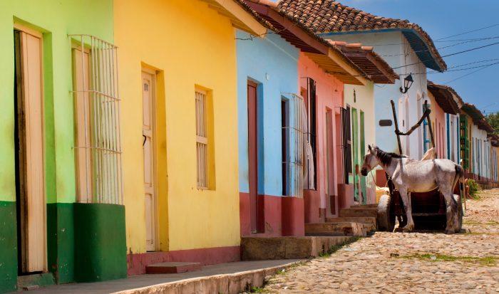 Kleurrijke huisjes in Trinidad