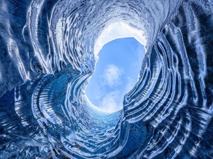 Lucht boven de ijsgrot