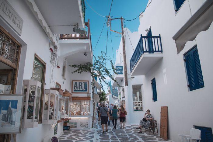 Matogianni Street in Mykonos stad