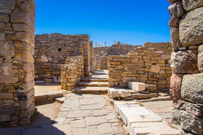 Oude Ruïne in Delos vlakbij het archeologische museum