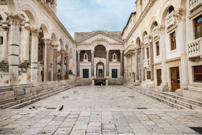 Pilaren van Paleis van Diocletianus