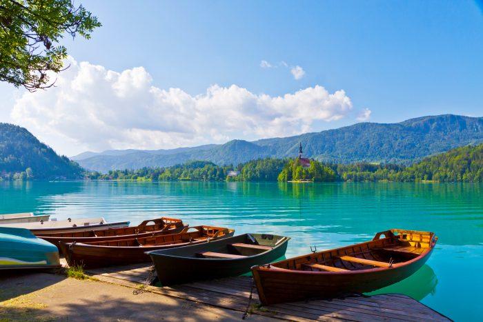 Roeiboten bij het Meer van Bled
