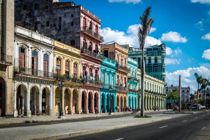 Straat door Oud Havana