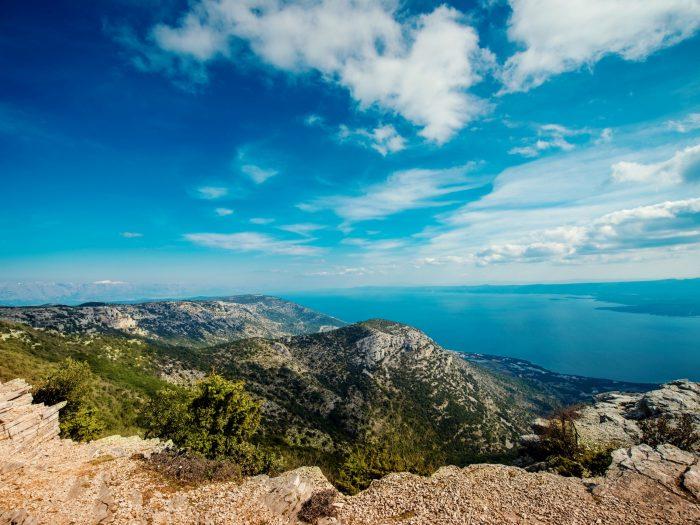 Uitzicht op Brac Island vanaf Vidova Gora