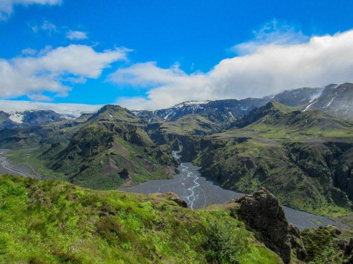 Uitzicht op Thorsmork IJsland vanaf Fimmvörðuháls