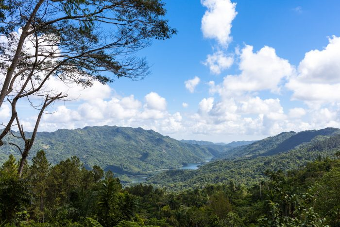 Uitzicht over de Sierra Maestra in Cuba