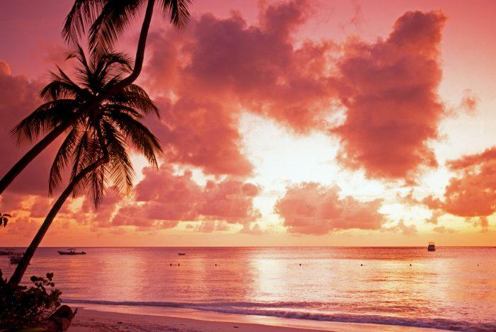 Zonsondergang bij Pigeon Point, op Trinidad en Tobago