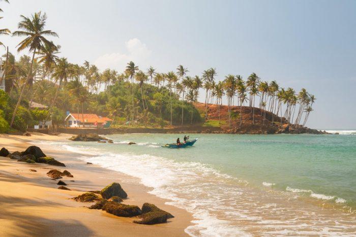 Backpacken Sri Lanka - Strand met Goud Zand