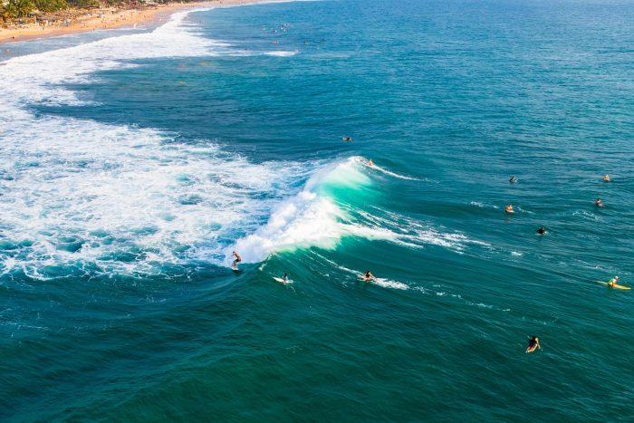 Backpacken Sri Lanka - Surfen in de zee