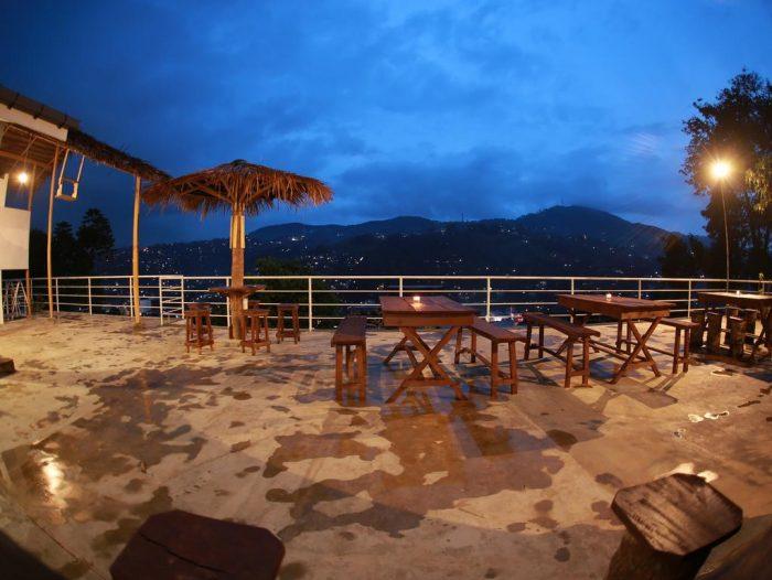 Backpacken Sri Lanka - Uitzicht vanaf Deck on the Hills Hostel