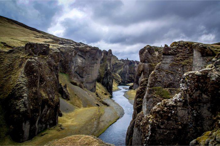 Backpacken in IJsland - Fjaðrárgljúfur Vallei
