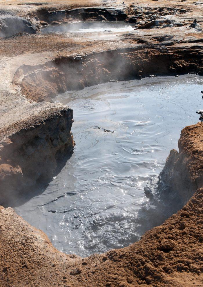 Backpacken in IJsland - Námafjall stomende baden