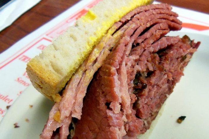 Canadees Eten - Gerookt Vlees in Montreal Stijl