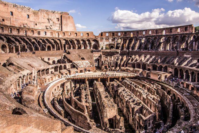 Historische Plaatsen - Colosseum (Binnenkant) in Rome, Italië