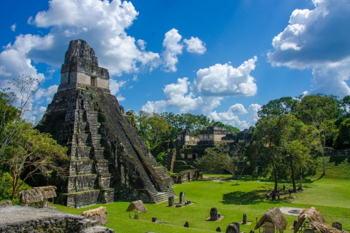 Historische Plaats - Tikal in Guatemala
