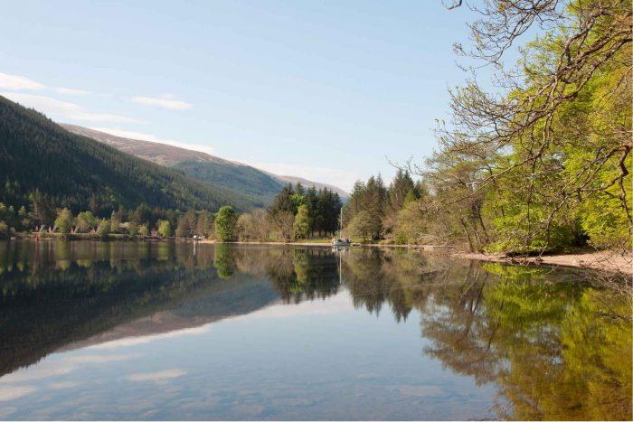 Loch Oich in de Schotse Hooglanden bij Invergarry