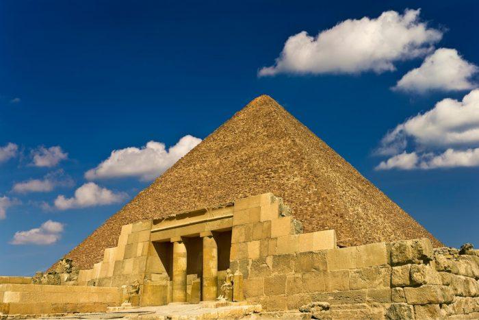 Oostkant Piramide van Cheops
