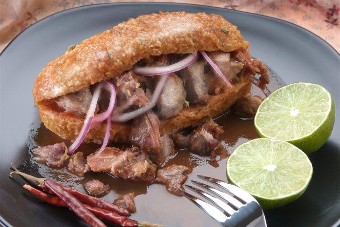 Mexicaans Eten - Torta ahogada