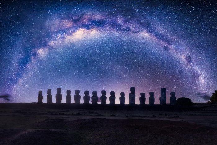 Moai op Paaseiland met Sterrenhemel