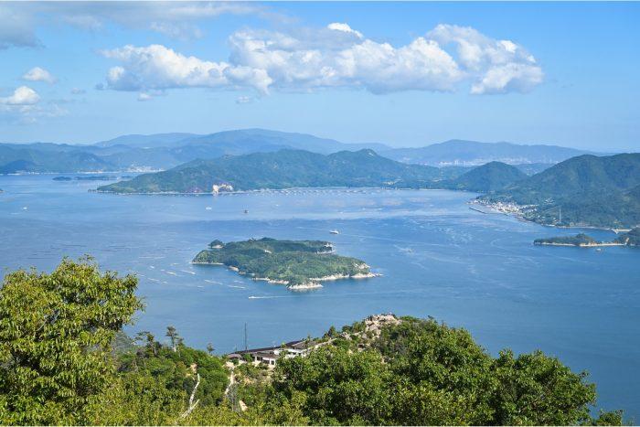Uitzicht vanaf de top van Mount Misen op Miyajima
