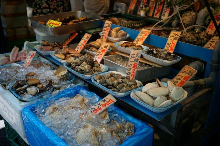 Verse Zeevruchten op de Vismarkt van Tsukiji
