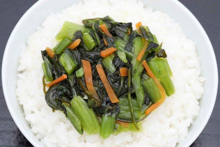 Nozawana (Japanse groenten) op witte rijst