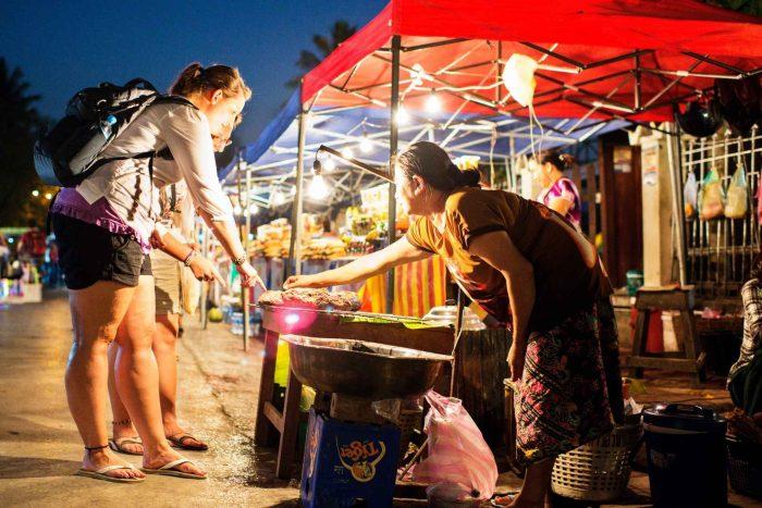 Avondmarkt in Luang Prabang