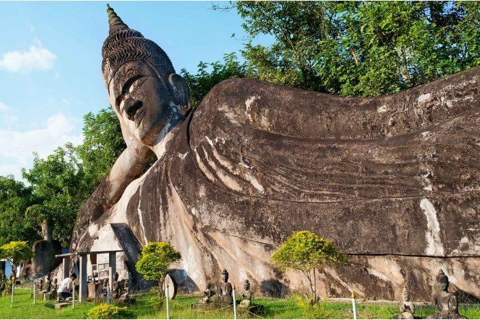 Grote boeddha in het Boeddhapark (Xieng Khuan)