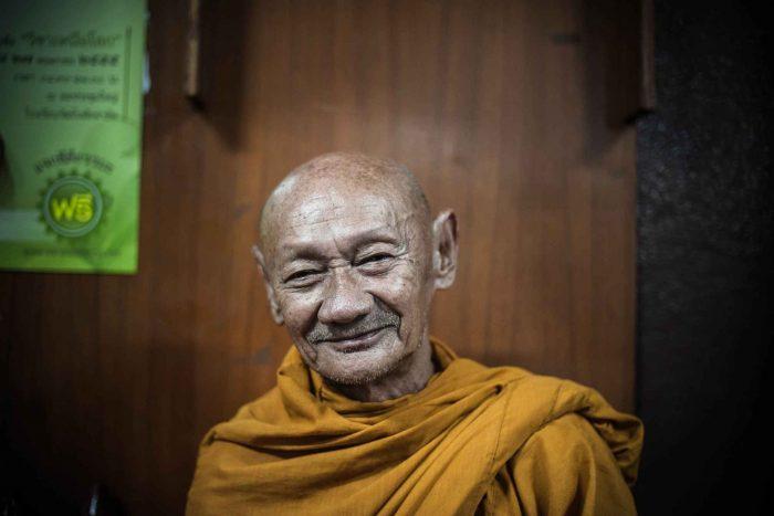 Oude monnik in Chiang Mai