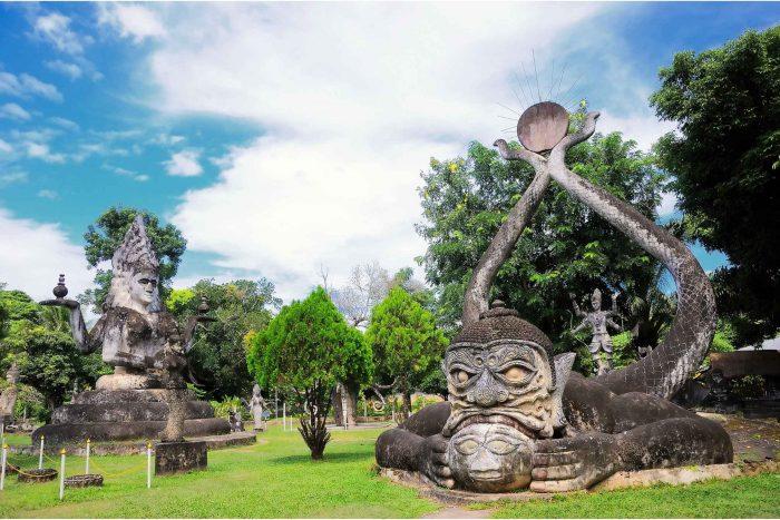 Rahu beeld in het Boeddhapark (Xieng Khuan)