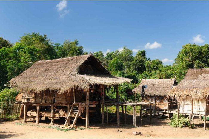 Traditionele huizen in Muang Sing