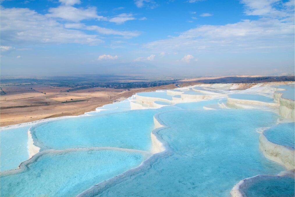 Het blauwe landschap van Pamukkale