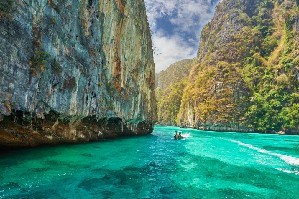 Met de boot op Ko Phi Phi