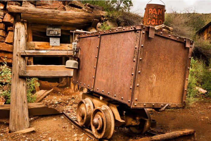 Oude mijnkar in Jerome