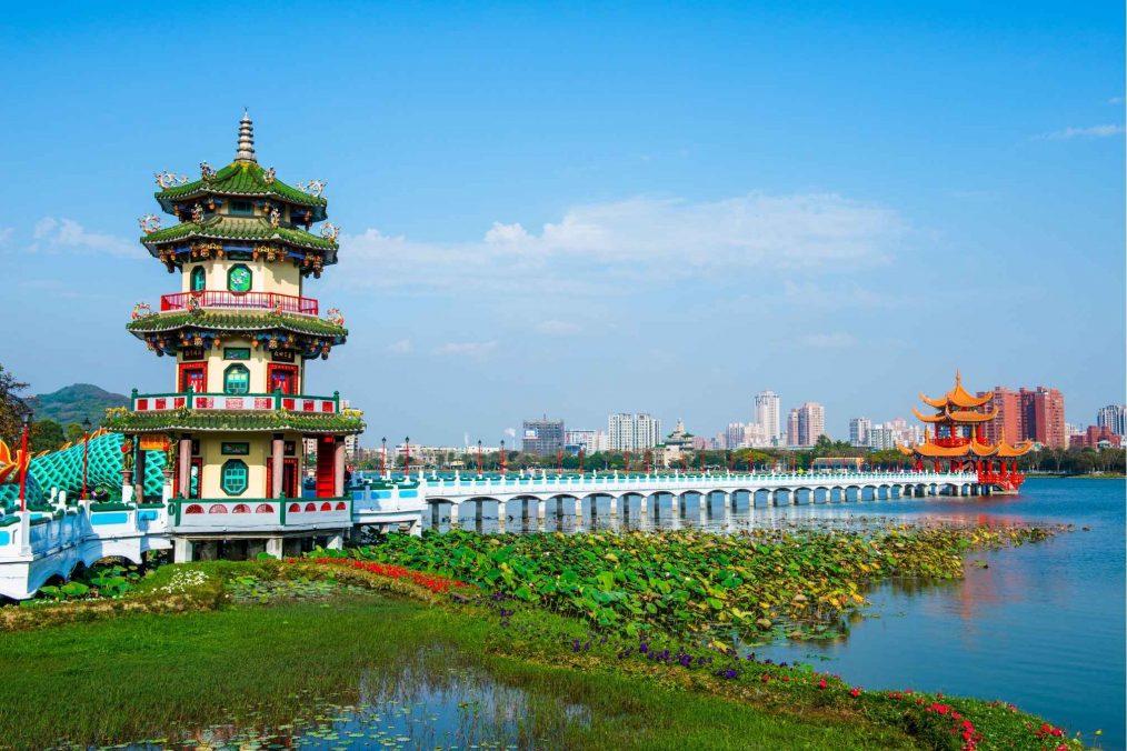 Pagode en groene natuur in Kaohsiung