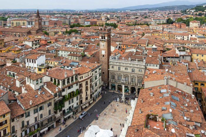 Uitzicht over Verona vanaf Torre dei Lamberti