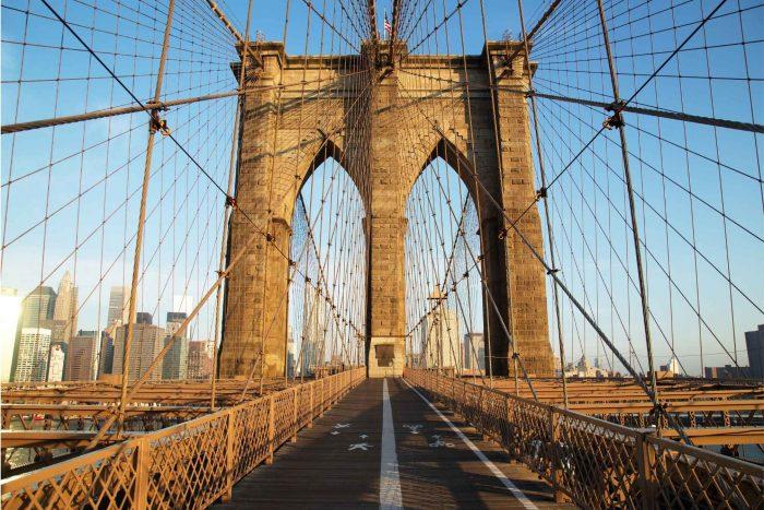 Lopen over de Brooklyn Bridge