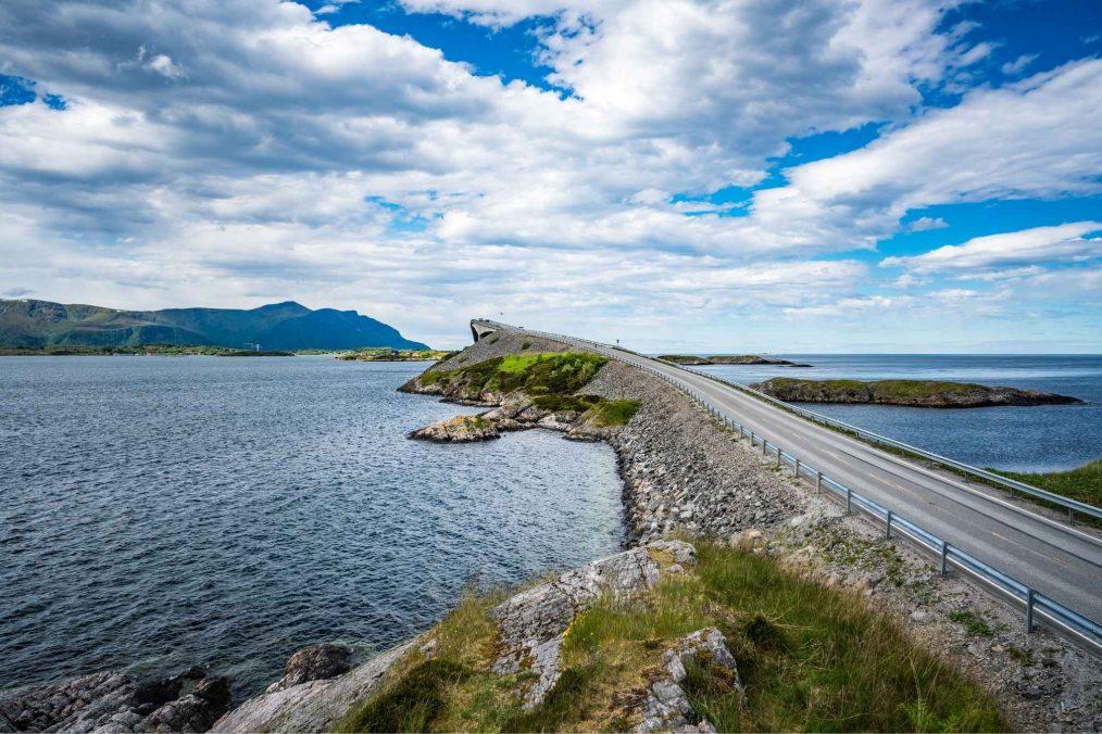 De Atlantic Ocean Road in Noorwegen