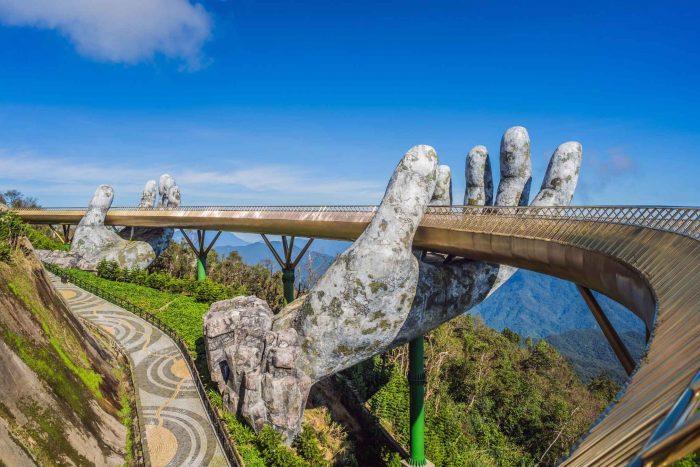 De Golden Bridge bij de Ba Na Hills in Da Nang
