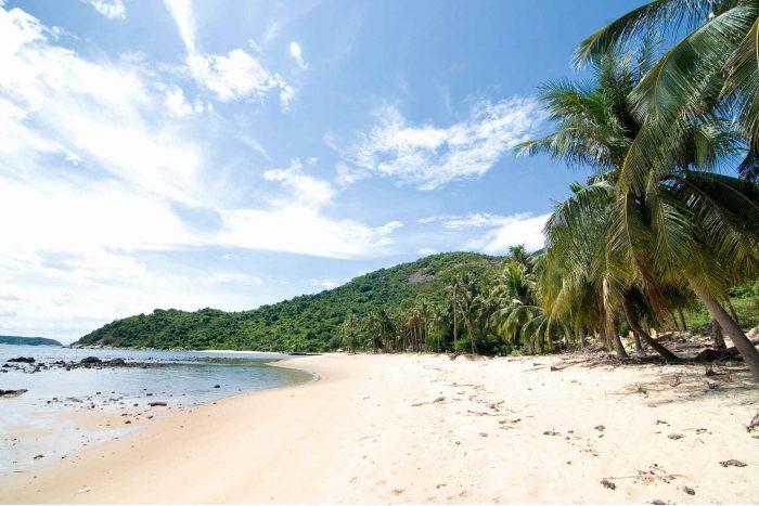 Wit strand op Cham Island