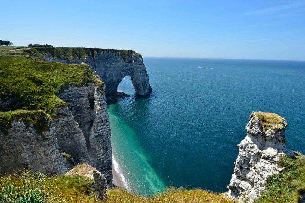 De kliffen bij de kust van Normandië
