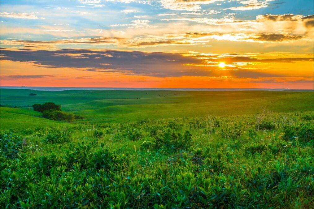 Zonsondergang in de Flint Hills in Kansas
