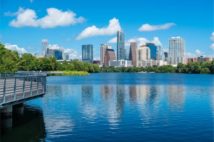 Lady Bird Lake en de Skyline van Austin
